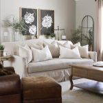 24 Gorgeous French Country Sofas For Your Living Room