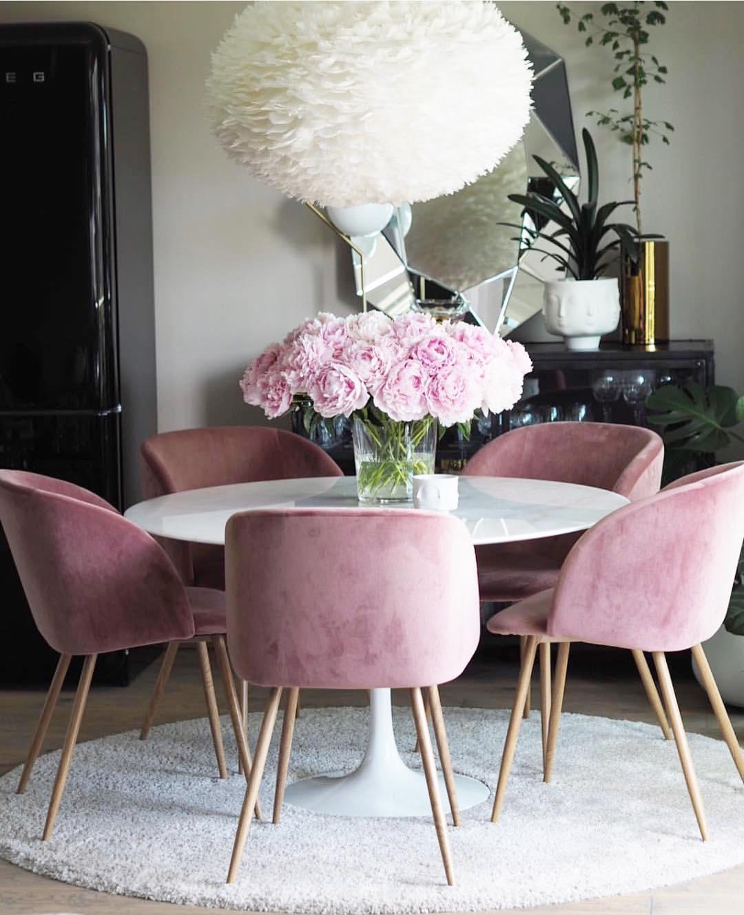 15 Modern Velvet Dining Chairs For The Dining Room