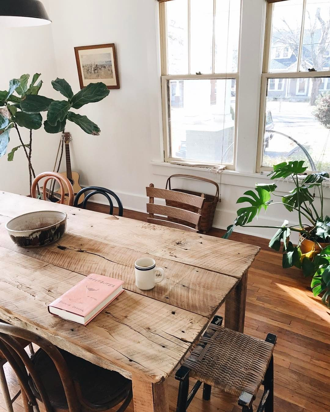 17 Rustic Wood Dining Tables For Your Farmhouse Space