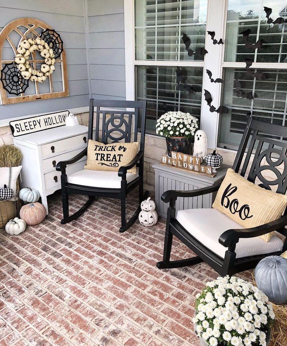 Easy Halloween Porch Decor