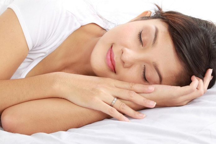 6 Natural Tips for a Better Night's Sleep