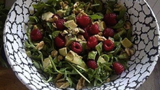 Berry Arugula Walnut Salad