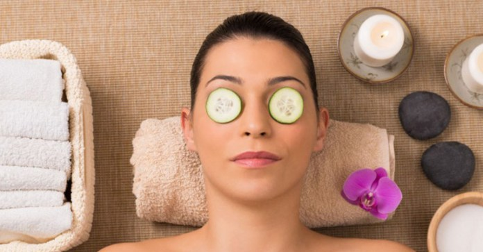 Relax-Tired-Eyes-With-These-DIY-Herbal-Eye-Masks