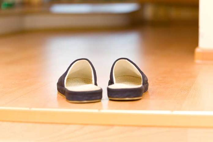 flip-flops-and-slide-on-shoes: 7 Pregnancy Products You Can't Live Without