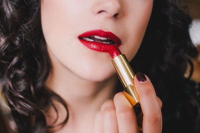 Dangers Of Using Cosmetics