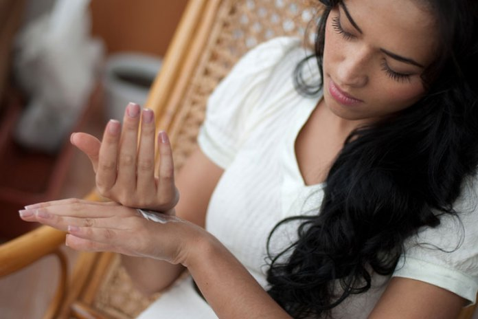Moisturize Your Nails: Tips To Grow Healthy And Strong Nails