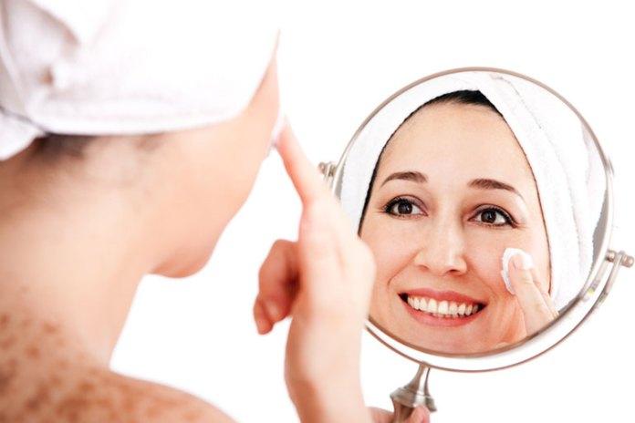Exfoliation :Skin Care BenefitDry SkinOf Sandalwood Powder