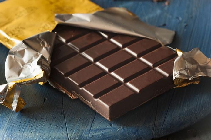 Dark Chocolate: Top 10 Energy Boosting Superfoods During Pregnancy
