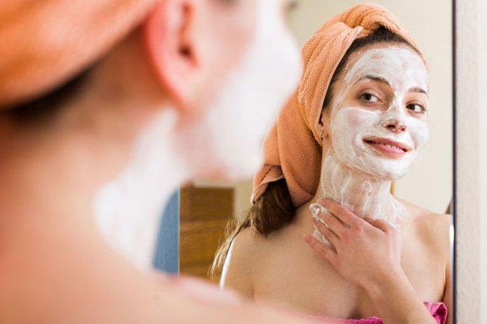 Homemade Almond Face Pack For Oil-Free Skin