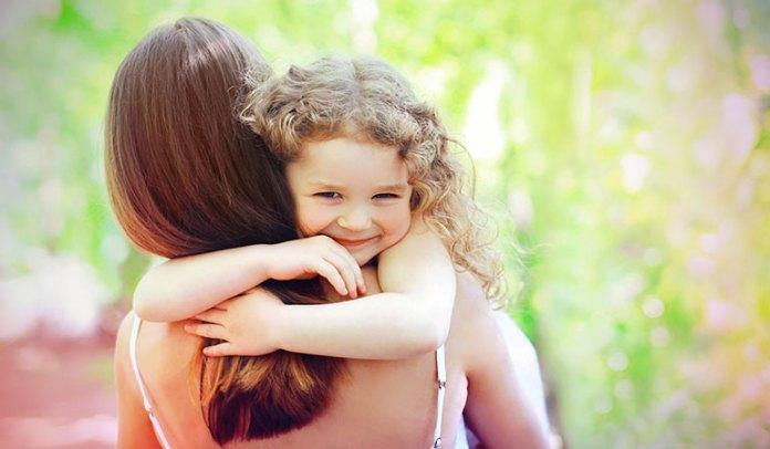 Hugs Help You A Raise Stress-Free Kid