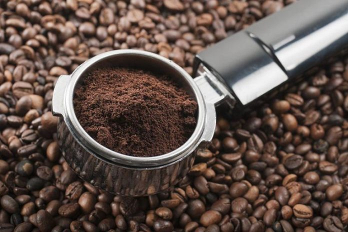 Homemade Face Scrubs For Oily Skin: Coffee Grounds