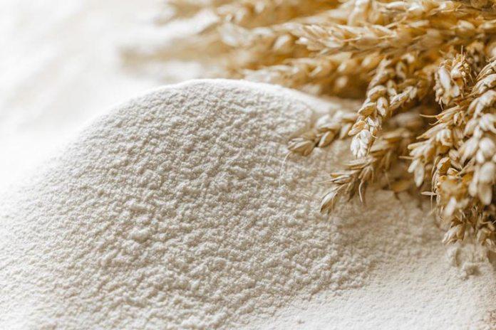 Homemade Face Scrubs For Oily Skin: Flour