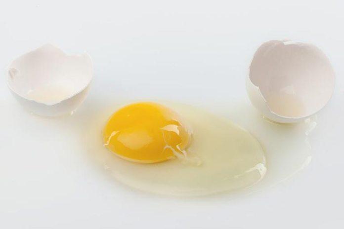 Homemade Face Scrubs For Oily Skin: Egg White