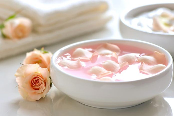 Home Remedies For Dry Eyes Syndrome: Rose Water