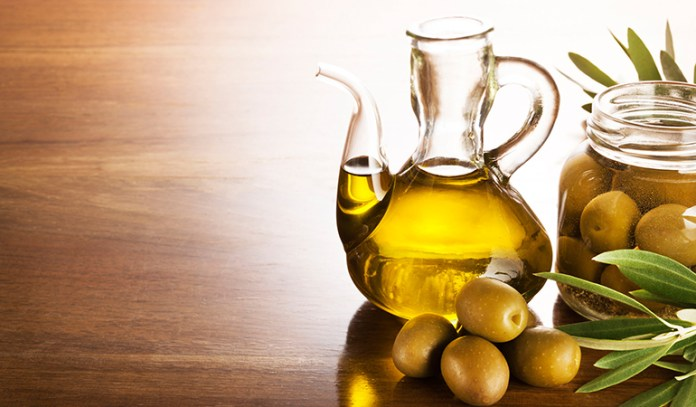 Applying Olive Oil To Eyebrows Can Make Them Thicker