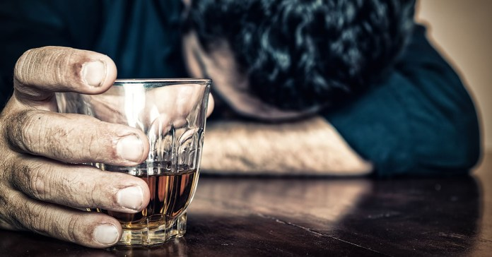 ways alcohol affects your sleep cycle