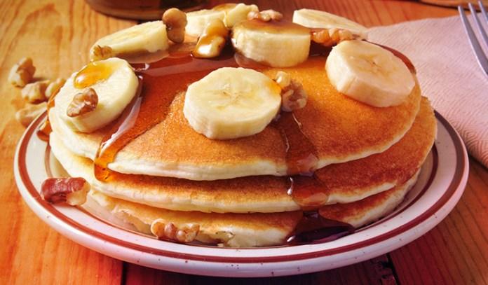 2-banana-pancakes-with-walnut-honey