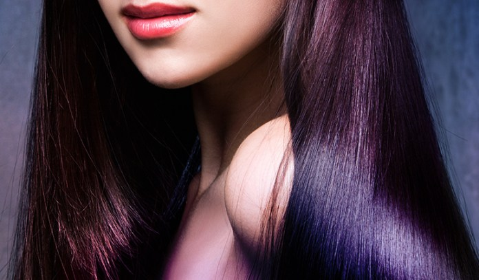 Apple cider vinegar adds a stunning shine to the hair.