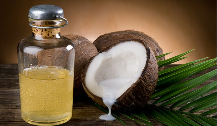 Frequent usage of coconut oil for alopecia keeps your hair growing strong and luscious.