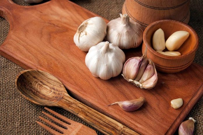 Apply Garlic Oil For Relief From Impetigo Sores