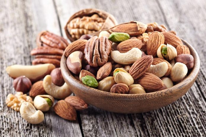 Nuts and seeds are a good replacement for snacks in the keto diet.