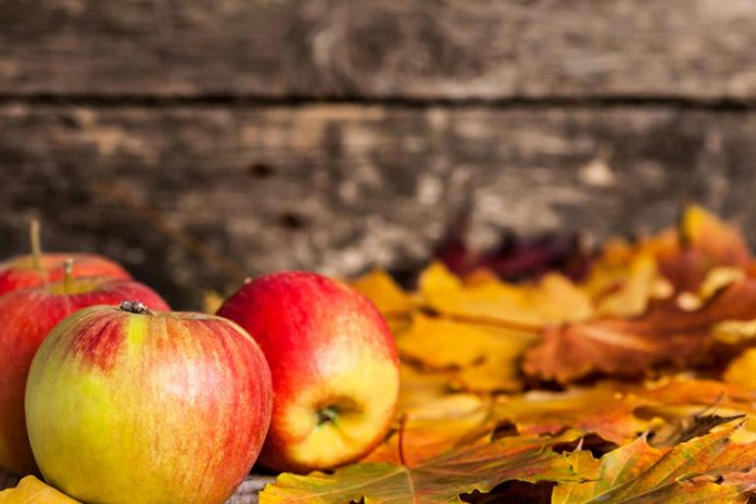 Apples help you feel full as they contain pectin