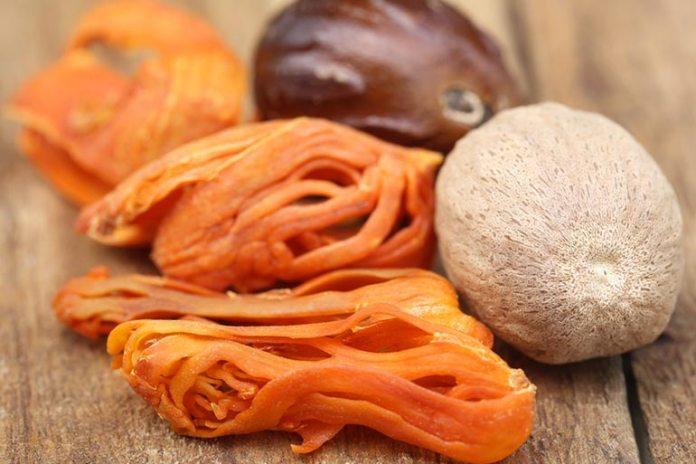 Mace Gives Fruit Desserts A Mild Nutmeg Taste