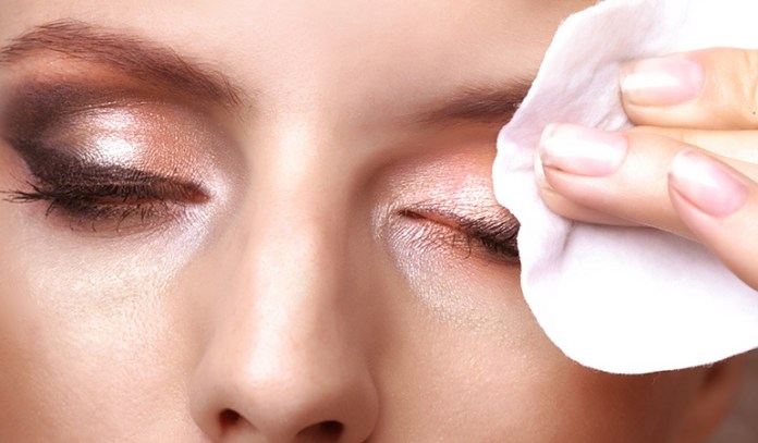 Coconut oil is an effective makeup remover.