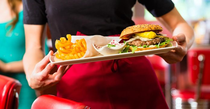 How To Eat Healthy At A Fast Food Joint)