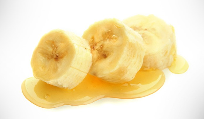 Honey mixed with mashed banana is a wonderful face mask for a glowing skin