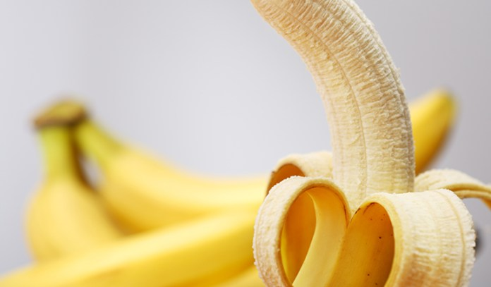 banana for dull, dry or frizzy hair