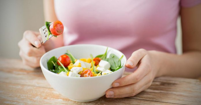 The Healthiest Way To Lose Weight By Eating Salad
