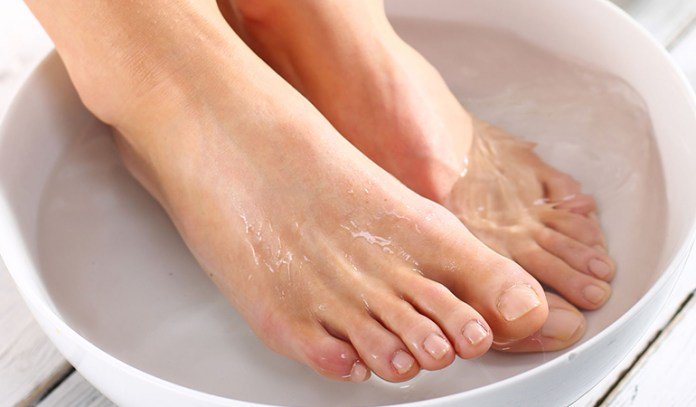 Home Remedies for Plantar Warts: Hot Water