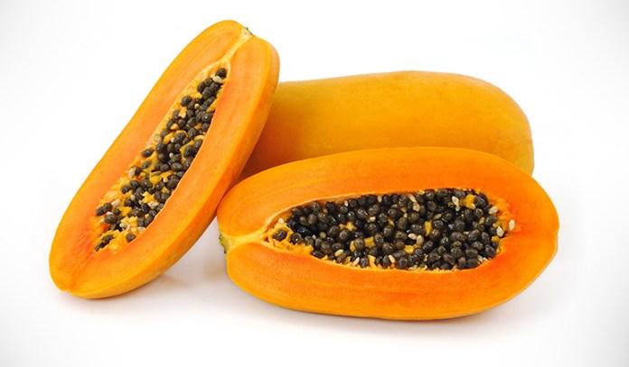 Papaya honey mask controls oil and removes acne