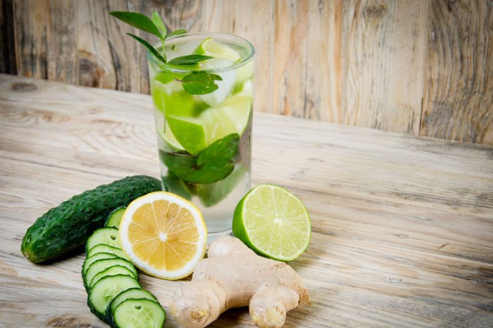 Cucumber, lemon and ginger juice helps promote sleep and burn fat