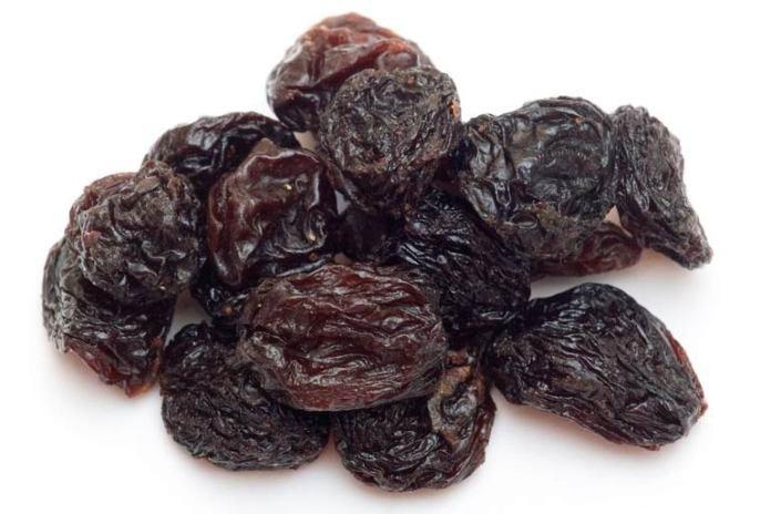 Raisins can help boost iron levels