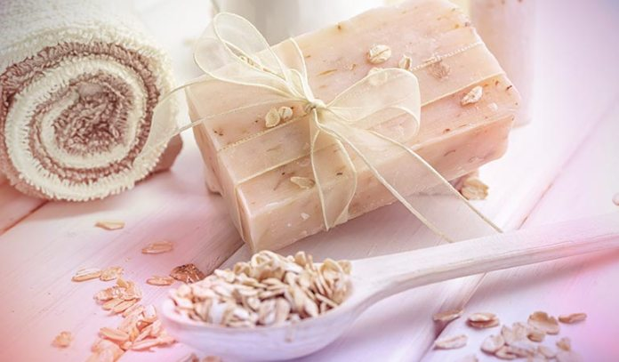 Oatmeal powder can be used in the bathwater or as a mask to treat dry skin