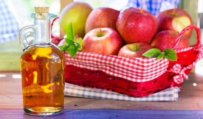 Apple Cider Vinegar has anti-inflammatory properties that reduce the swelling