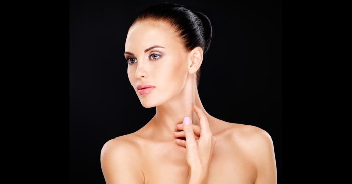 (Lemon can effectively be used in treating a dark neck.)