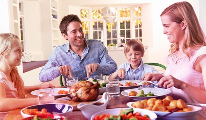 Family dinner gives your kids an opportunity to learn about healthy eating.