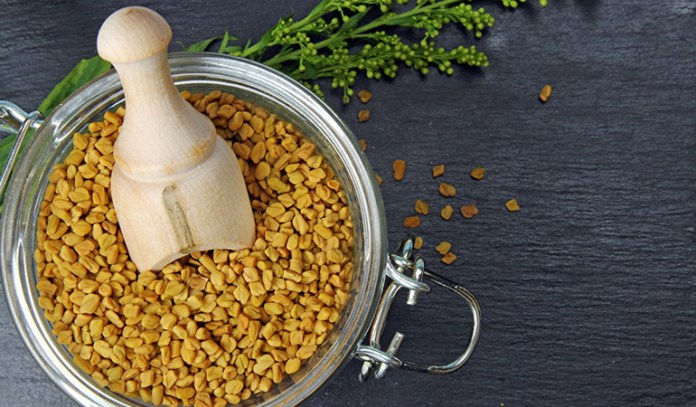 Fenugreek leaves and seeds reduce body odor by removing toxins in the body