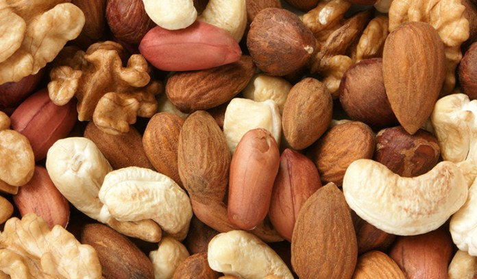 Nuts can be consumed in the afternoon