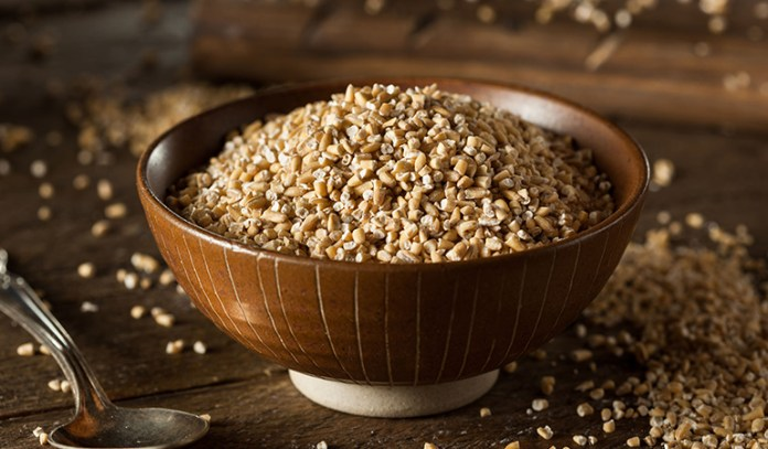 Steel-cut oatmeal also has a low glycemic index and rich levels of protein