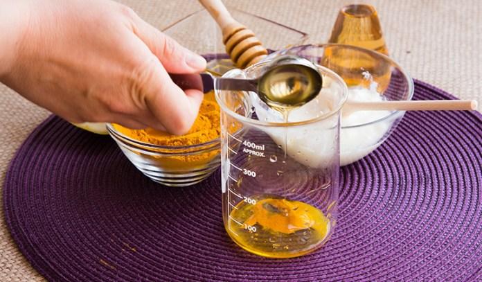 Turmeric honey paste is the easiest way to eat turmeric