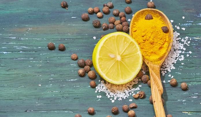 Turmeric tonic can be made using just turmeric, lemon juice, and pepper