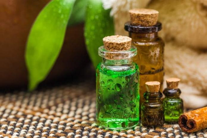 Use Tea Tree Oil To Reduce The Size Of An Infected Pilonidal Cyst And Promote Fast Healing