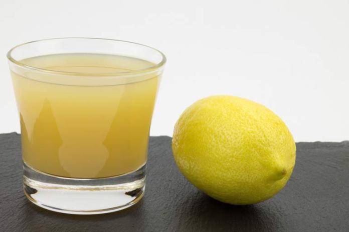 apply lemon juice on warts
