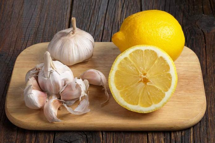 lemon juice with garlic for warts