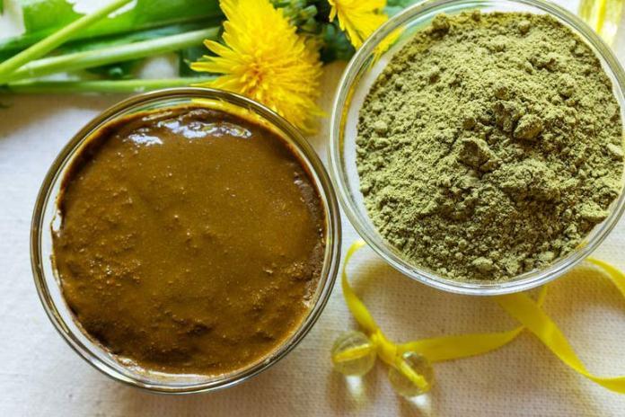 Lemon juice, henna, and yogurt pack for hair growth
