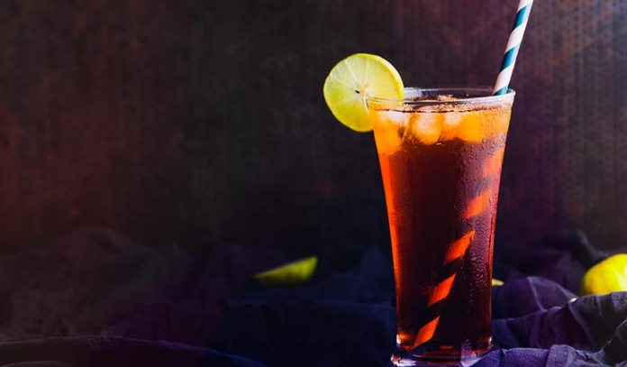 Unsweetened iced tea is extremely refreshing and healthy